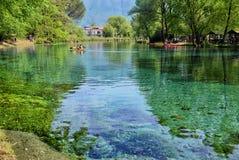 Ansicht vom Ufer des Flusses Grassano, Italien Lizenzfreies Stockfoto