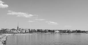 Ansicht vom Ufer von Munkkisaari-Bezirk, Helsinki lizenzfreies stockbild