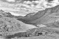 Ansicht vom Uitkyk-Durchlauf in Richtung zu Algerien im Cederberg einfarbig lizenzfreie stockbilder