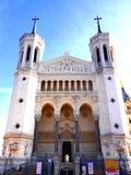 Ansicht von äußeren basilicathe und vom Fluss Saone, Lyon, Frankreich Notre Dame de Fourviere lizenzfreies stockfoto