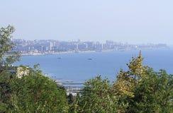 Ansicht von Adler-Bezirk im größeren Sochi vom Berg Stockfotografie