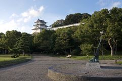 Ansicht von Akashi-Schloss und von umgebenden Park in Akashi, Japan lizenzfreies stockfoto