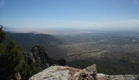 Ansicht von Albuquerque-New Mexiko von der Spitze der Sandia-Berge lizenzfreie stockfotos