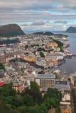 Ansicht von Alesund von Aksla-Hügel in Norwegen lizenzfreie stockbilder