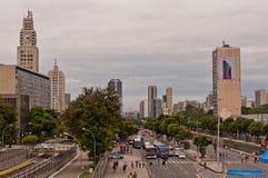Ansicht von Allee Avenida Presidente Vargas in Rio de Janeiro während des Karnevals stockbild
