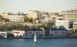 Ansicht von altem San Juan von heraus zum Meer Stockfotografie