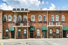 Ansicht von alten Backsteinhäusern in Eastpoint, USA Lizenzfreie Stockfotos
