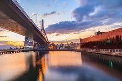 Ansicht von Aomori-Brücke an der Sonnenaufgangszene, Aomori-Bucht, Tohoku, Jap Stockfotografie
