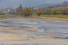 Ansicht von Barrea See fast trocken, See Barrea, Abruzzo, Italien okt stockfotos