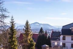 Ansicht von Beskydy-Bergen von Frydek Mistek lizenzfreies stockbild