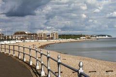 Ansicht von Bexhill in Richtung zu Hastings in Ost-Sussex, England lizenzfreie stockbilder