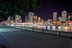 Ansicht von Brisbane-Stadt von Southbank-Parklands, Brisbane Stockfoto