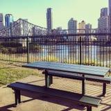 Ansicht von Brisbane und von Geschichten-Brücke von Willsons Ausblick Lizenzfreies Stockbild