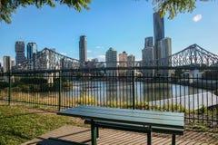 Ansicht von Brisbane und von Geschichten-Brücke von Wilsons Ausblick Lizenzfreies Stockbild
