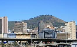 Ansicht von Cape Town mit Signal-Hügel im Hintergrund Lizenzfreie Stockfotografie