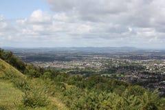 Ansicht von Cheltenham von Cleeve-Hügel lizenzfreie stockfotos