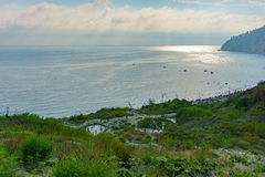 Ansicht von den Bergen zur Bucht Inal auf dem Schwarzen Meer stockfotos