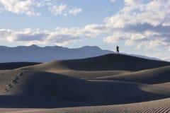 Ansicht von den Death- Valleydünen Stockfoto