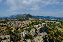 Ansicht von den Ruinen von Castello-della Fava, Posada Sardinien lizenzfreie stockfotografie