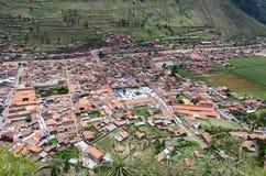 Ansicht von den Ruinen von Pisac in Richtung zur Stadt, heiliges Tal der Inkas Cusco PERU lizenzfreie stockbilder
