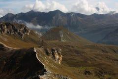 Ansicht von der alpinen Straße lizenzfreies stockfoto