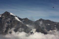 Ansicht von der alpinen Straße stockbild