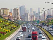 Ansicht von der Brücke am Umraniye-Bezirk Lizenzfreies Stockfoto