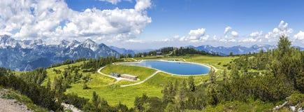 Ansicht von der Gebirgsspitze Hoess in Hinterstoder am Österreicher lizenzfreies stockfoto