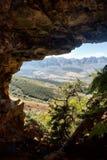 Ansicht von der Höhle am Ackerland Stockfotos
