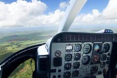 Ansicht von der Hubschrauberkabine Stockbilder