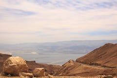 Ansicht von der Landstraße auf Totem Meer Israel Lizenzfreies Stockfoto
