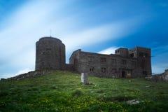 Ansicht von der Oberseite Berg-Knall Iwan Das Observatorium mit Wolke Stockbild