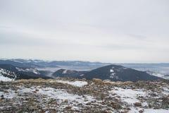 Ansicht von der Oberseite des Berges lizenzfreies stockfoto