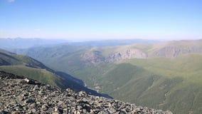 Ansicht von der Oberseite des Berges stock footage