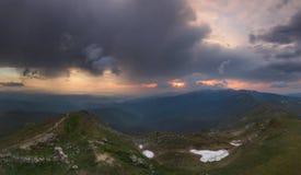 Ansicht von der Oberseite Panorama Wolken mit Sonnenunterganglicht Lizenzfreie Stockfotografie