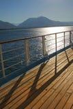 Ansicht von der Plattform eines Kreuzschiffs mit Alanya, die Türkei im b Lizenzfreie Stockbilder