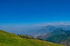 Ansicht von der Prashar Seespitze lizenzfreies stockfoto