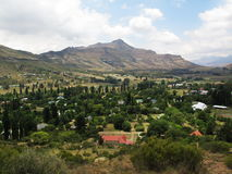 Ansicht von der Spitze auf Clarens, Südafrika stockfotografie
