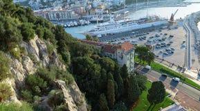 Ansicht von der Spitze des Hafens in Nizza Stockfotos