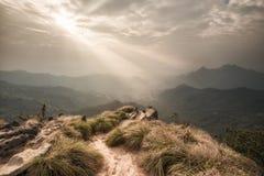Ansicht von der Spitze des Standpunkts an Phu-Chi-Fa in Chiang Rai, Tha lizenzfreies stockfoto
