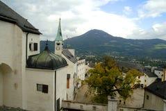 Ansicht von der Stadt der Hohensalzburg-Festung, Salzburg ist die kompletteste Festung von den mittelalterlichen Zeiten, die in E lizenzfreie stockfotos