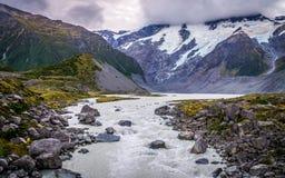 Ansicht von der Tal-Bahn auf Gletscher in Aoraki, Neuseeland lizenzfreies stockfoto
