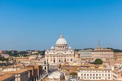Ansicht von des St Peter der Basilika und von Vatikanstadt Stockfotografie