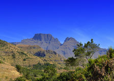 Ansicht von die Drachenberge-Bergspitzen Stockfotos