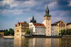 Ansicht von die Moldau-Fluss in Prag lizenzfreie stockbilder