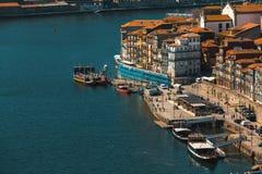 Ansicht von Duero Fluss und Ribeira in Porto Stockbilder