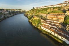 Ansicht von Duero-Fluss von Dom Luiz-Brücke in Porto Stockfotografie