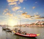Ansicht von Duero-Flussufer von der Dom Luiz-Brücke, Porto, Portugal Lizenzfreie Stockfotos