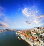 Ansicht von Duero-Flussufer von der Dom Luiz-Brücke, Porto, Portugal Lizenzfreie Stockfotografie