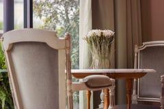 Ansicht von einem Café Stockbilder